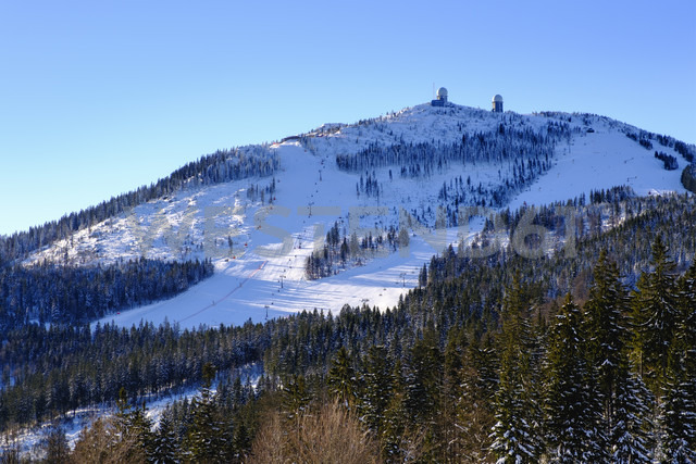 Germany, Bavaria, Bavarian Forest in winter, Great Arber ski area - SIEF07417