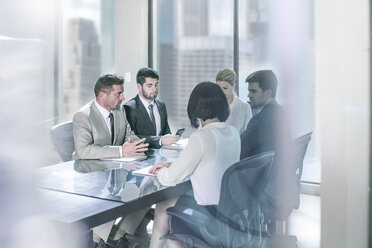Group of businesspeople in meeting - ZEF13620