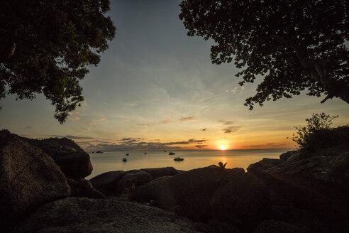 Thailand, Surat Thani, Ko Pha Ngan, Thong Nai Pan Yai Beach at sunset - DAWF00529
