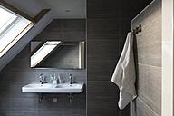 Modern bathroom - CHPF00392