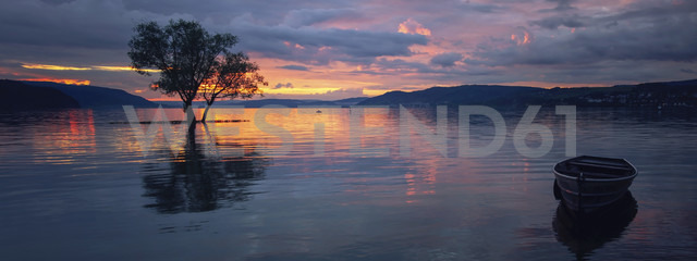 Germany, Constance, Dettingen-Wallhausen, sunset above Lake Constance - BSTF00111