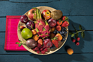 Bowl of various fruits - MAEF12194