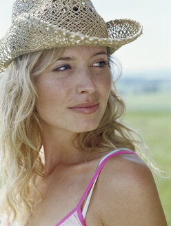Portrait of blond young woman in summer - FSF00875