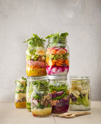 Preserving jars with various salads - KSWF01817