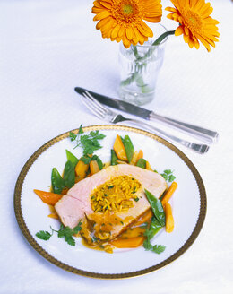 Filled turkey breast with saffron rice and vegetables - PPXF00065