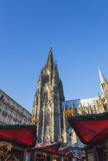 Germany, Cologne, Christmas market at Cologne Cathedral - GWF05217