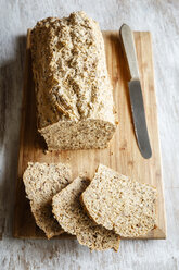 Home.baked spelt bread with flax and sesame - EVGF03227