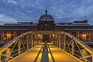 Germany, Hamburg, Altona, fish market hall at blue hour - KEBF00562