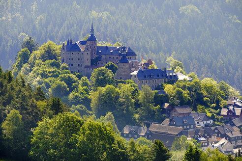 Germany, Lauenstein village, view to Lauenstein castle - SIEF07427