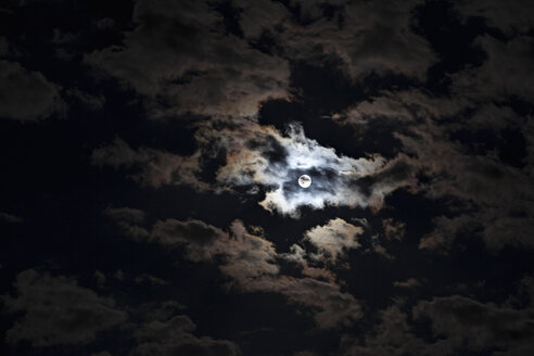 Full moon at cloudy night - NDF00656