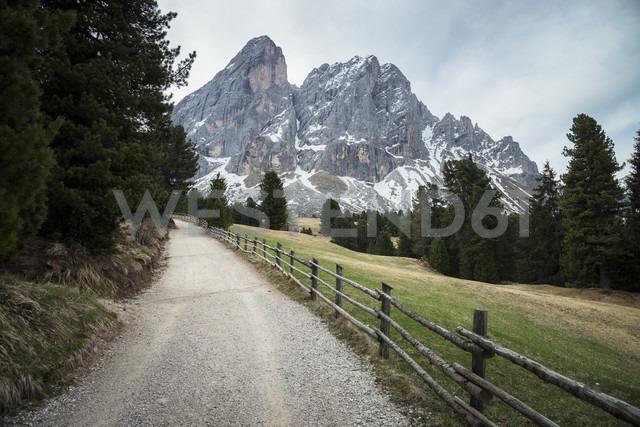 Italy, Alto Adige, Dolomites, Sasso Putia - STCF00344