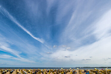 Germany, Travemuende, crowded beach under cloudy sky - FRF00520