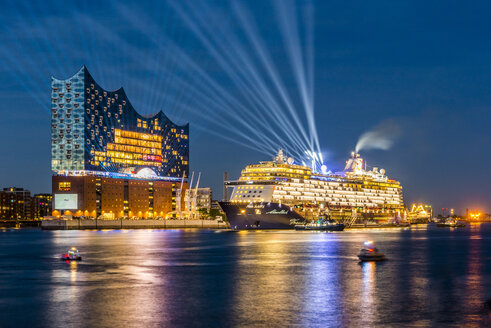Germany, Hamburg, christening of cruise liner Mein Schiff 6 in front of Elbphilharmonie - KEB00573