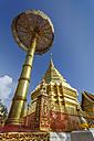 Thailand, Chiang Mai, temple Wat Phra That Doi Suthep, golden umbrella and chedi - TOV00085