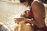 Couple in love on the beach - SUF00150