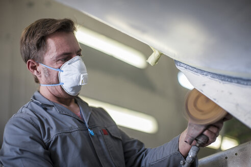 Industrial worker wearing protective mask - ZEF14058