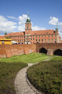 Poland, Warsaw, Old Town, Royal Castle and city wall fortification - ABOF00217
