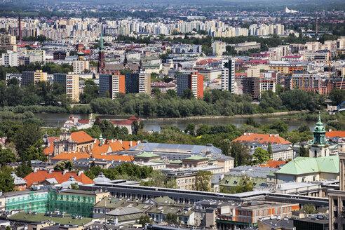 Poland, Warsaw, cityscape, Srodmiescie and Praga districts, Vistula River in the middle - ABOF00232