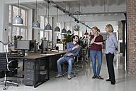 Group of people talking in office - RBF05818