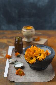 Making Pot Marigold salve - MYF01945