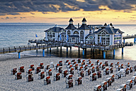 Germany, Mecklenburg-Western Pomerania, Baltic sea seaside resort Sellin, Hooded beach chairs on the beach - GFF00987