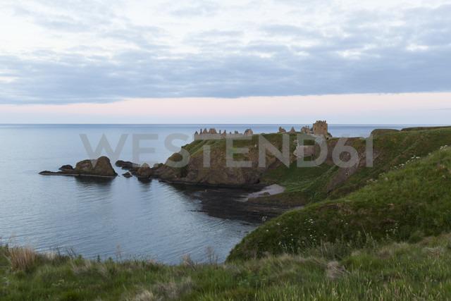 UK, Scotland, Stonehaven, Dunnottar Castle - FCF01217