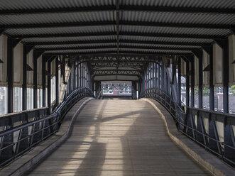 Germany, Hamburg, Uebersee bridge, landing pier - RJF00701