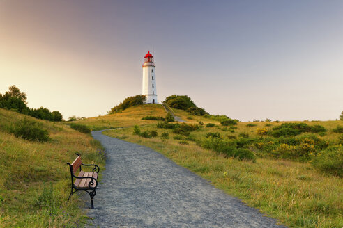 Germany, Hiddensee, Dornbusch lighthouse on the Schluckswiek at twilight - GFF01020