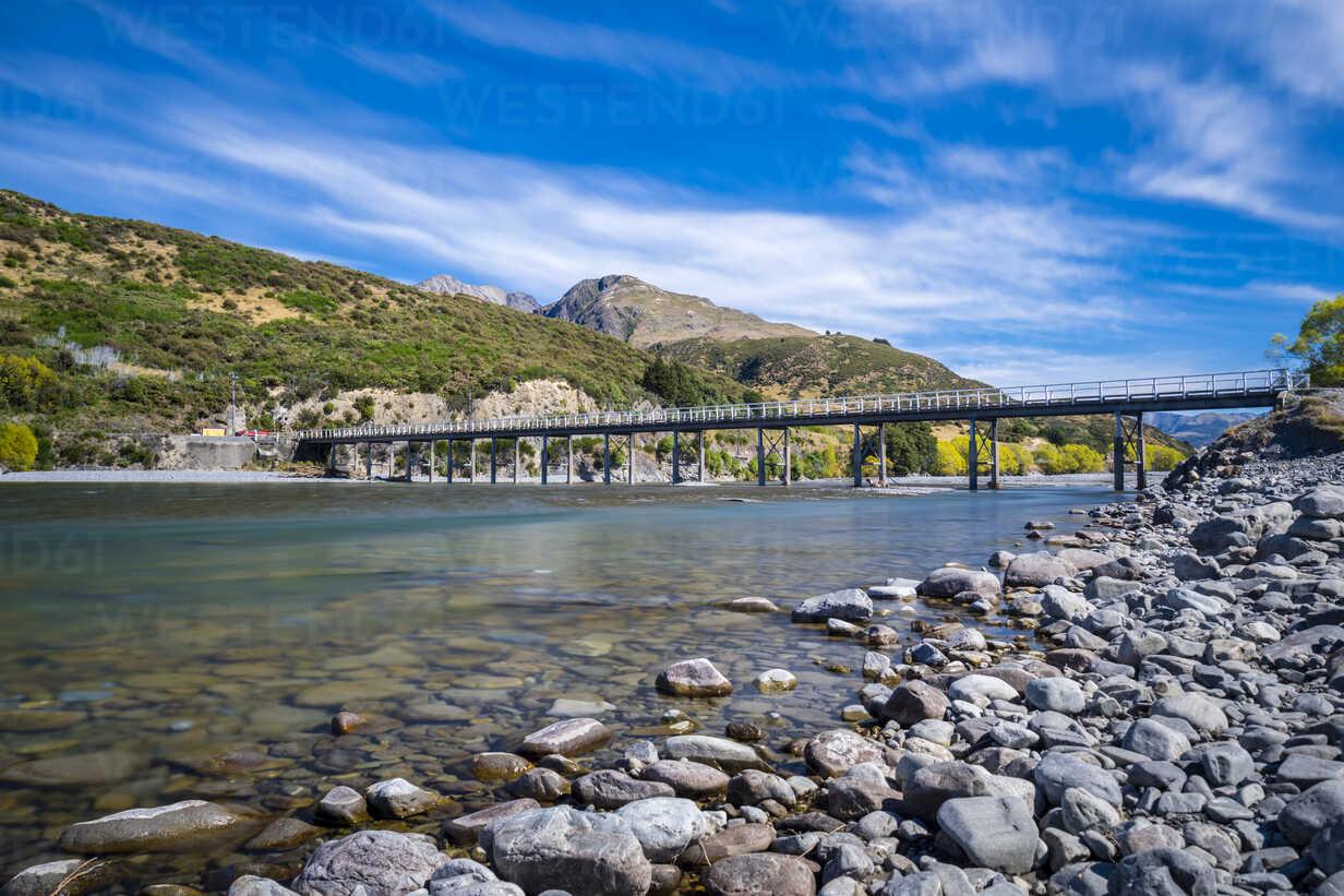New Zealand, South Island, Canterbury Region, Arthur's Pass National Park, Waimakairi River, Mt. White Bridge - STSF01275 - Stefan Schurr/Westend61
