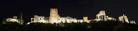 Spain, Andalusia, Granada, Alhambra palace by night - DHCF00120