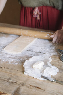 Close-up of woman preparing dough - ALBF00138