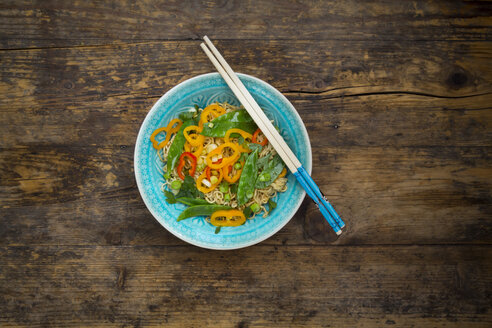 Bowl of mie noodles with vegetables - LVF06261