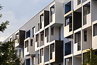 Germany, Heidelberg, Bahnstadt, facade of passive house - WDF04074