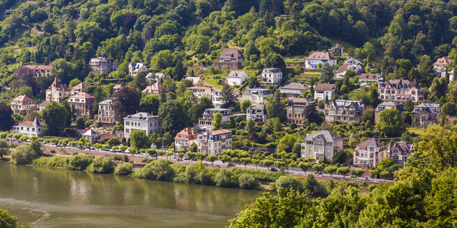 Germany, Heidelberg, view to mansion district at waterside of Neckar River - WDF04080