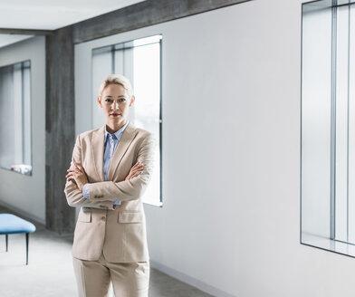 Portrait of confident businesswoman - UUF11387