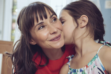 Daughter telling mother a secret - MFF03807