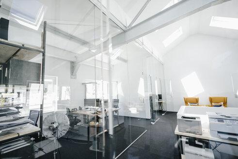 Empty modern office - KNSF02264