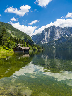 Austria, Styria, Altaussee, boathouse at Altausseer See with Trisselwand at in the background - AMF05452