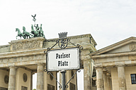 Germany, Berlin, Brandenburg Gate, sign 'Pariser Platz' - CHPF00420
