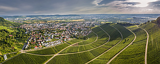 Germany, Baden-Wurttemberg, Rems Valley, Korb with vineyards at the Korber Kopf - STSF01302
