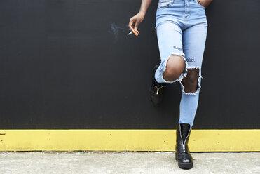 Legs of woman wearing used look jeans - IGGF00099