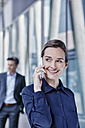 Portrait of businesswoman on the phone - RORF00991