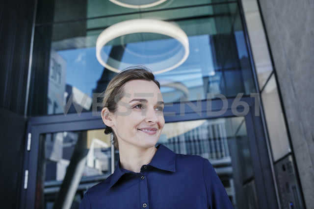 Portrait of smiling businesswoman - RORF01009
