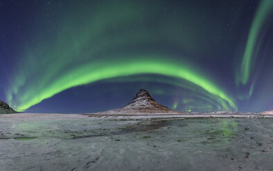 Iceland, Kirkjufell mountain with northern lights - EPF00461