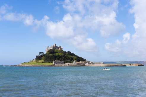 UK, Cornwall, St Michael's Mount seen from Marazion - SIEF07488