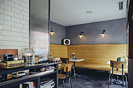 Interior view of an empty cafe - MFF03911