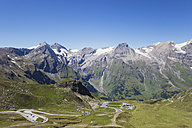 Austria, Grossglockner High Alpine Road, view from Edelweissspitze to Grosses Wiesbachhorn and Grossglockner - GWF05243