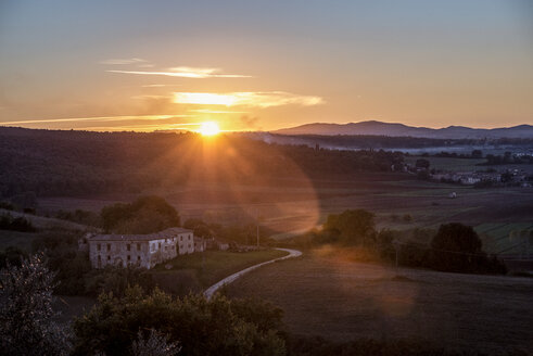 Italy, Tuscany, sunset in the Province of Siena - CSTF01348