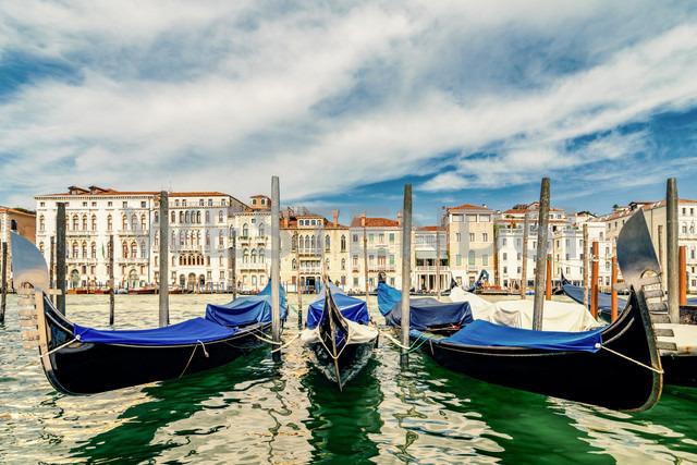 Italy, Venice, gondolas on Canale Grande - CSTF01356