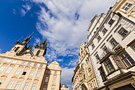 Czech Republic, Prague, houses and Tyn Church at Old Town Square - WDF04091